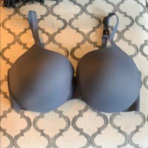 Victoria secret bra 38C